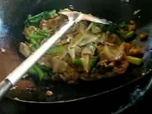 Thai Pad See Eel