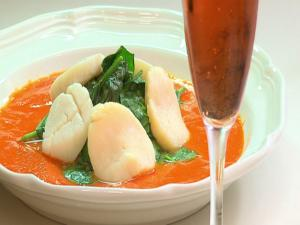 Poached Scallops and Red Pepper Sauce