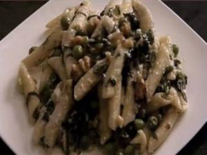 Creamy Spinach and Peas Pasta