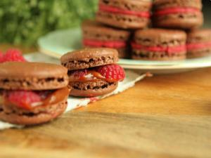 The Complete Tutorial On How to Make Perfect Macarons
