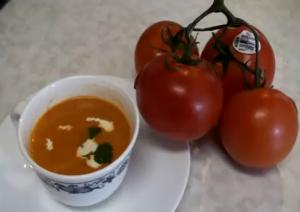 Tomato Soup in Ten Minutes