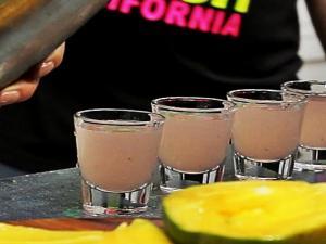 Cachaca Shots with Tipsy Bartender + Cozinha Para 2