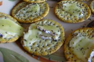 Crackers with Melted Brie Cheese
