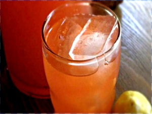 Old Fashioned Strawberry Lemonade