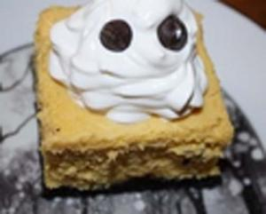 Halloween Pumpkin and Oreo Cheesecake Bars