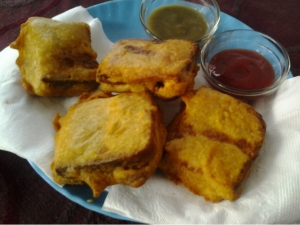 Stuffed Bread Pakoda