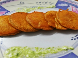 Monsoon Delight - Kurkura Aloo Pakoda (Crispy Potato Fritters)