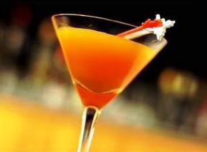 Pumpkin Martini - the perfect drink for Halloween.