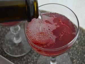 Holiday Cocktail: Cranberry Sparkler