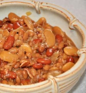 Homestyle Smoky Bean Trio With Bacon and Beef