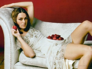 Keira Knightley loves Indian curry
