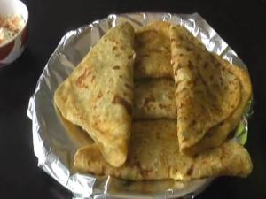 Paneer Paratha / Cheese Parantha