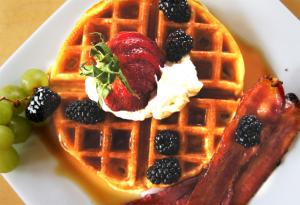Belgium Waffles with Bacon