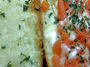 Roasted Garlic Bread and White Cheddar Tomato Bread