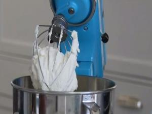 How To Make Homemade Whipped Cream - Fresh Dessert - Weelicious