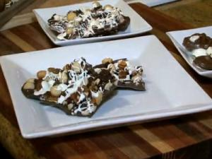 Valentine's Day Recipe - Homemade Chocolate Bark (Cooking at Home with Carolyn)