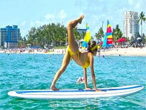 Paddle Board Yoga Retreat - Maui Sup Yoga Demo