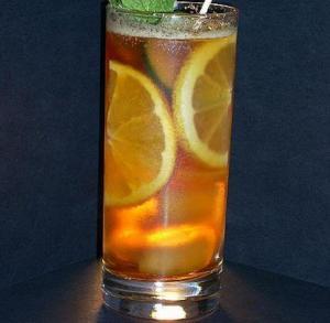 Orange-Flavored Mulled Cider