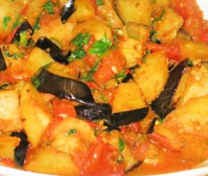Aloo-Baingan (Potato-Eggplant Curry)