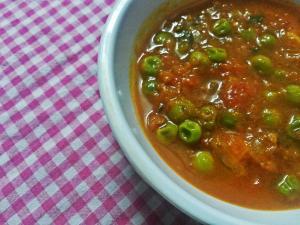 Matar - Tamatar ki Sabzi (Green Peas and Tomato Curry)