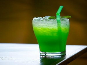 Christmas Cocktail - The Green Russian