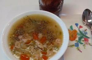 Quick and Easy Chicken and Vegetable Soup in 5 minute
