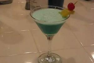 Tropical Hawaiian Drink - Part 1 Blue Hawaiian Cocktail