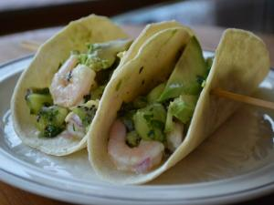 Rachel's Shrimp Tacos with Kiwi Salsa