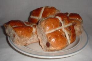 Hot Cross Buns With Raisin