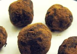 Walnut Raisin Choco Balls