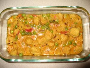 Soya Chunks with Green Peas Curry