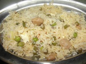 Paneer, Matar, Potato, Beans And Soybean Pulao