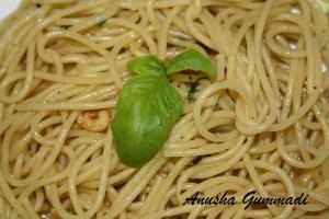 Fusion Spaghetti Aglio Olio