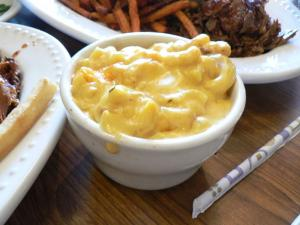 Baked Macaroni and Cheese with Sour Cream