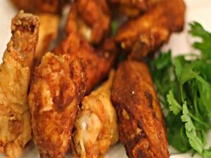 Vietnamese Canh Ga Chien - Fried Chicken WIngs