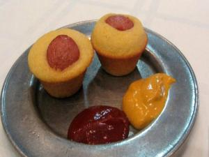 Lynn's Mini Corn Dog Muffins