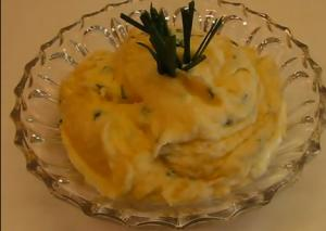 Cheddar-Monterey Jack Cheese Whipped Potatoes with Chives