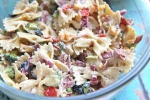 Creamy Bacon Cheddar Ranch Pasta Salad