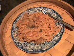Zuza zak's Weeknight Dinners: Spicy Meatballs with Spaghetti and Tomato Sauce