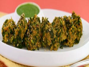 Oats Methi Muthia (Diabetic and Heart-Friendly) by Tarla Dalal