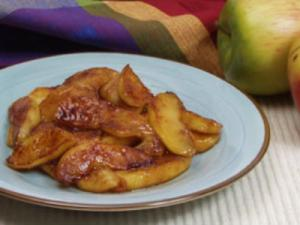 Fried Apples with Brown Sugar Cream