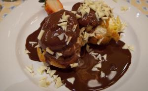 Chocolate Cream Puff Turtles