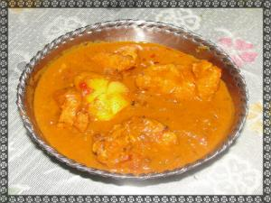 Boneless Chicken Masala With Hard Boiled Eggs