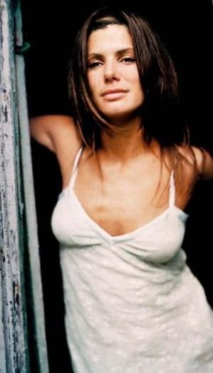 Sandra Bullock Diet: The Secret of Looking Great at 45