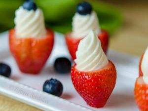 Cheesecake Stuffed Strawberries: Easy Summer Dessert