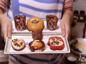 Feeling Bored: Eggies In The Middle & Bacon'n'Egg Cupcakes