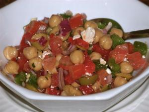 Simple Mediterranean Chickpea and Feta Salad