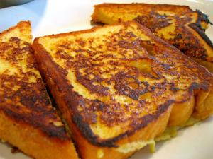 Sweet French Toast With Honey
