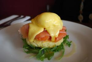 Salmon Benedict With Dil Havarti