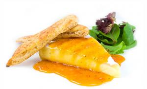 Brie With Apricot Glaze